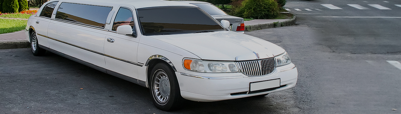 Luxury Prom Limousine in San Bernardino, California